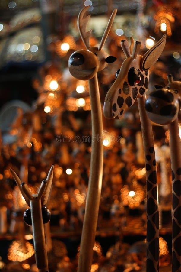 Ręcznie robiony drewniany rocznik lampowy żyrafa przedmiot zdjęcie royalty free