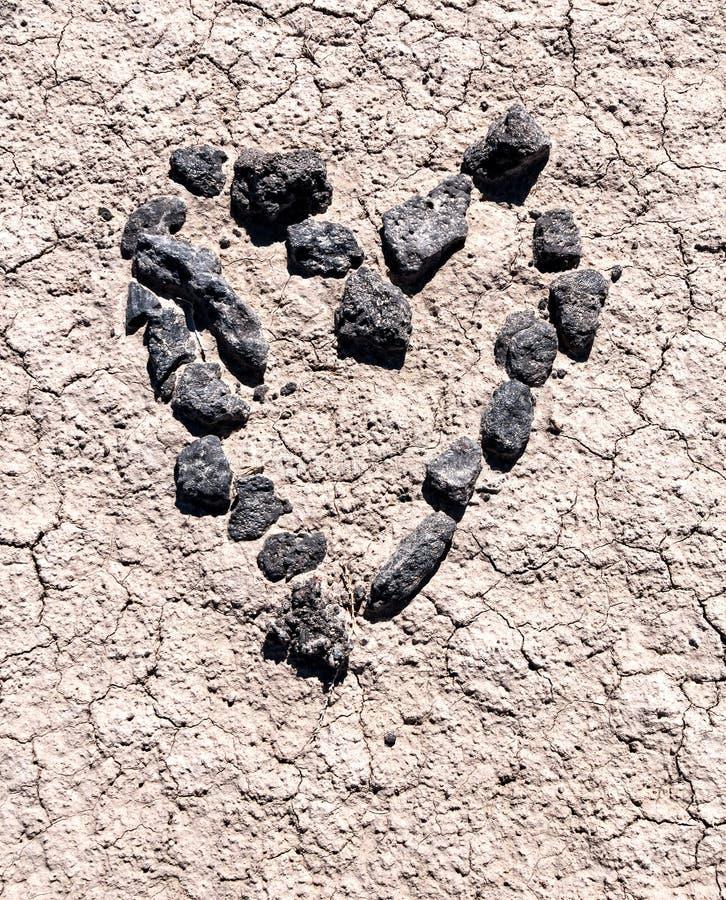 Ręcznie robiony serce w pustyni zdjęcia royalty free