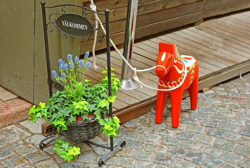 Ręcznie robiony tradycyjny drewniany Dalecarlian koń (symbol szwedzi Dalarna i Szwecja ogólnie) fotografia royalty free