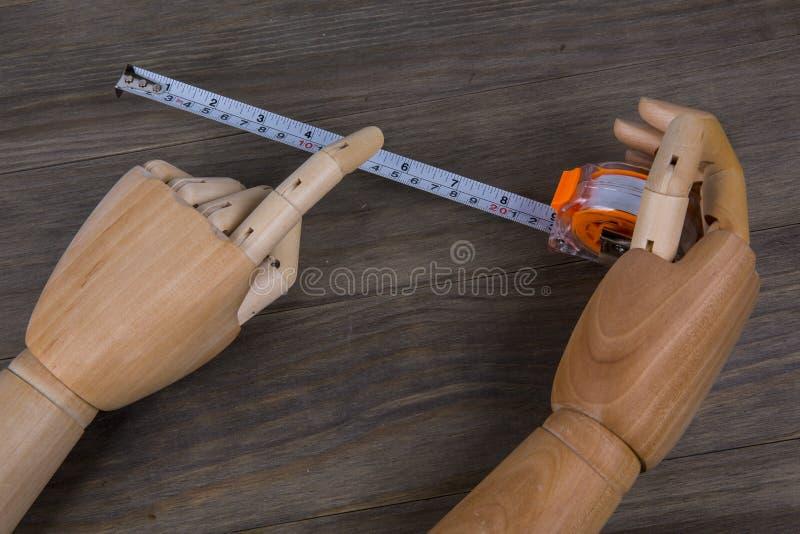 Ręk i taśmy miara zdjęcie royalty free