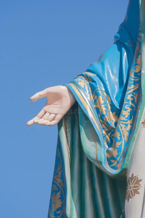 Ręka Błogosławiony maryja dziewica w Rzymskokatolickiej diecezi która jest miejscem publicznym w Chanthaburi prowinci fotografia stock