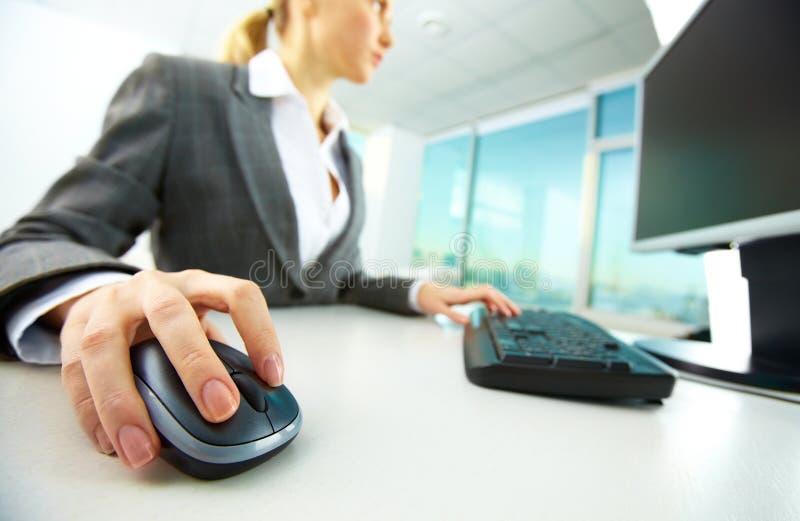 Ręka na myszy zdjęcia stock