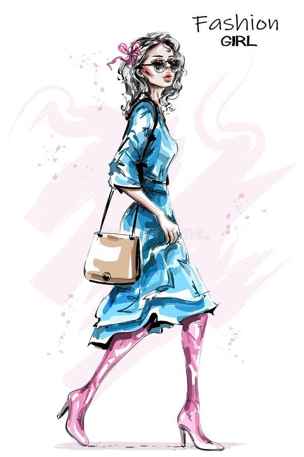 Ręka rysująca piękna młoda kobieta z torbą Elegancka elegancka dziewczyna w sukni Mody kobiety spojrzenie ilustracji