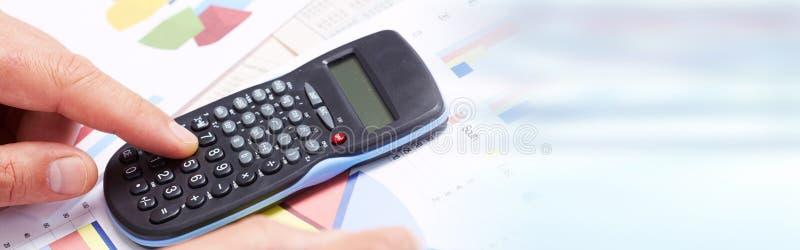 Ręka z kalkulatorem obraz royalty free