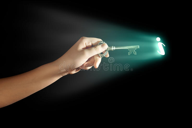 Ręka z kluczem obrazy stock