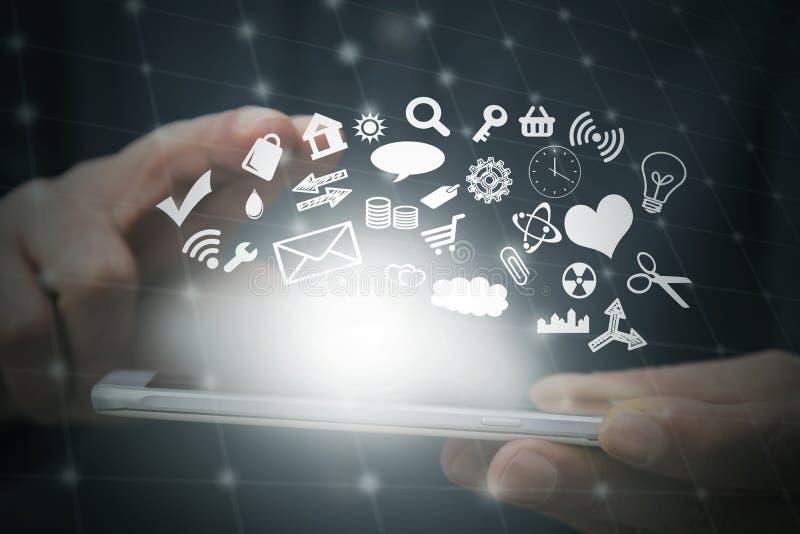 ręka z telefonem komórkowym wybiera zastosowania royalty ilustracja