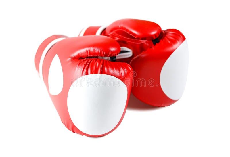 rękawice bokserskie czerwone Dwa rękawiczka sporta na białym backgr obraz royalty free