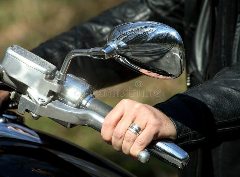 ręki handlebars jeździec obraz stock