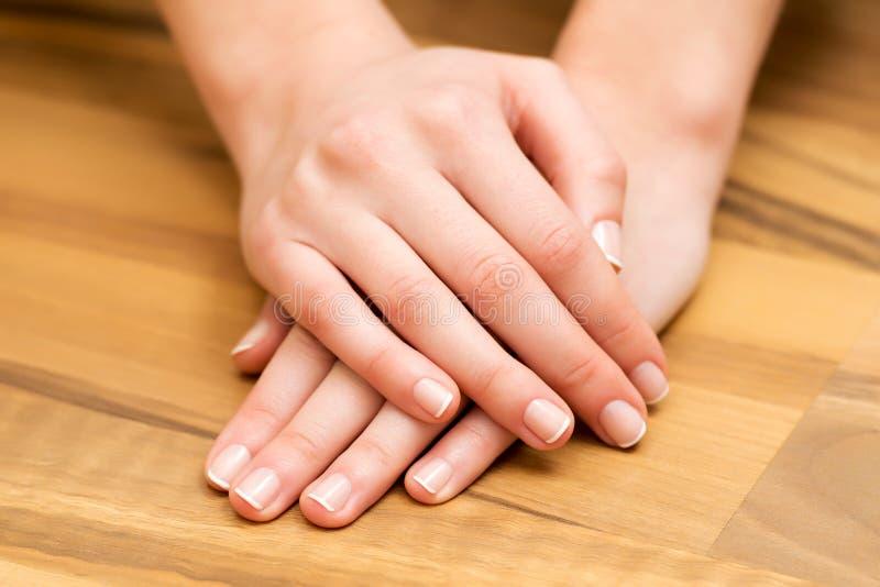 Ręki i gwoździa opieka zdjęcie stock