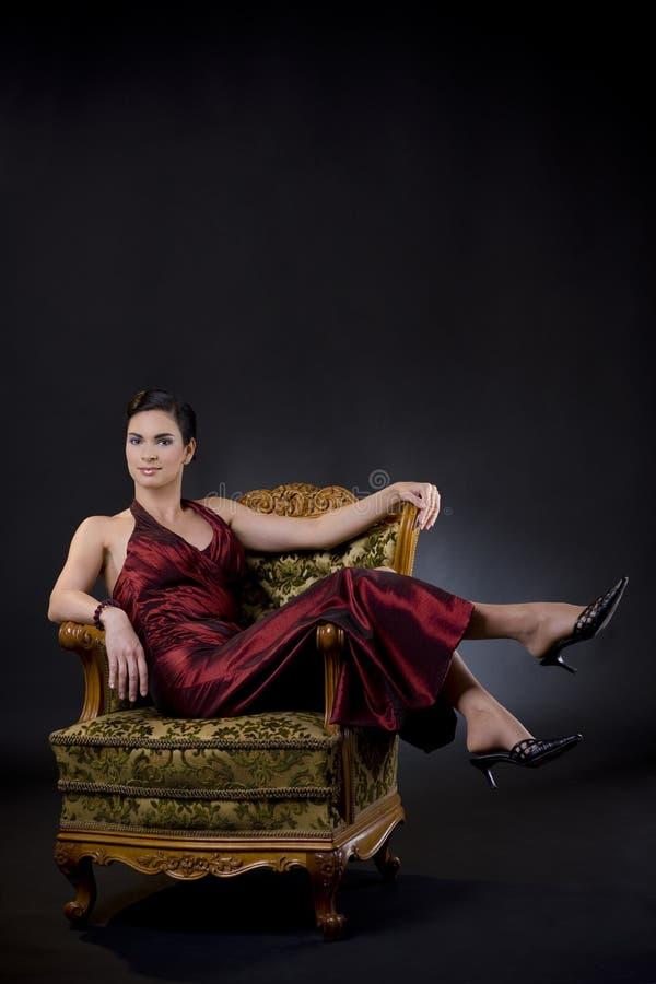 ręki krzesła siedząca kobieta obraz royalty free