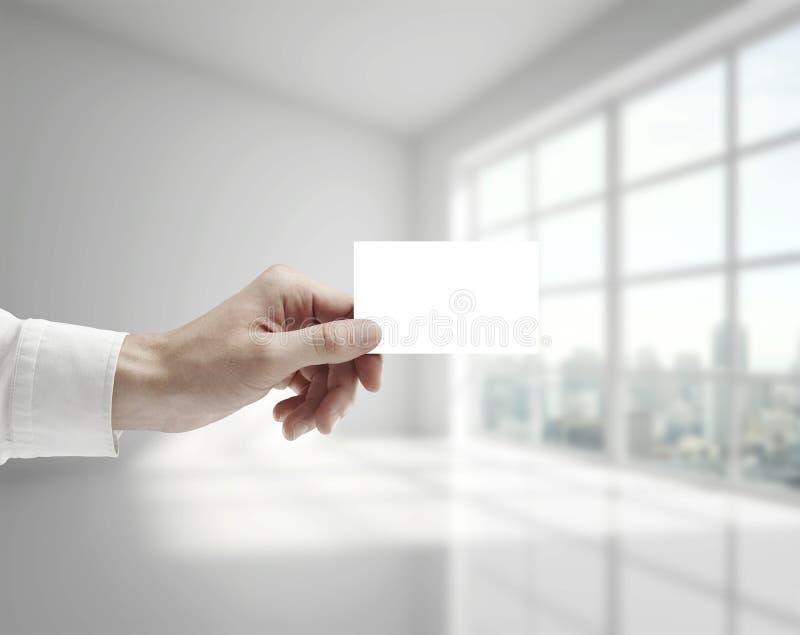 Ręki mienia karta zdjęcia royalty free