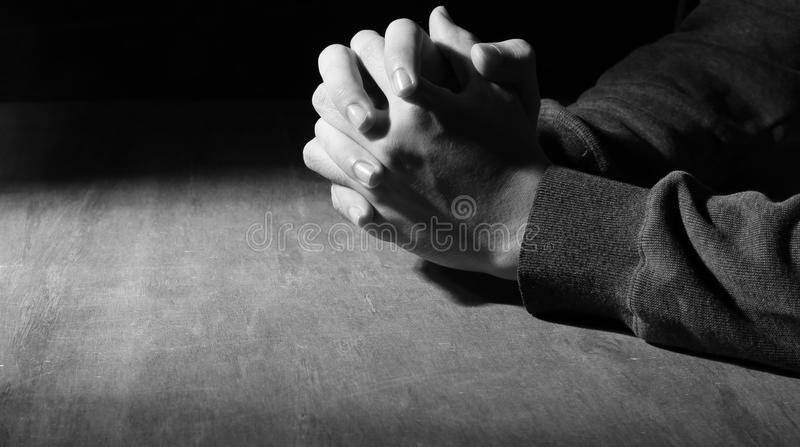 Ręki modlenie zdjęcie stock