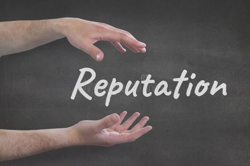 Ręki oddziała wzajemnie z reputacja biznesowym tekstem przeciw popielatemu tłu fotografia royalty free