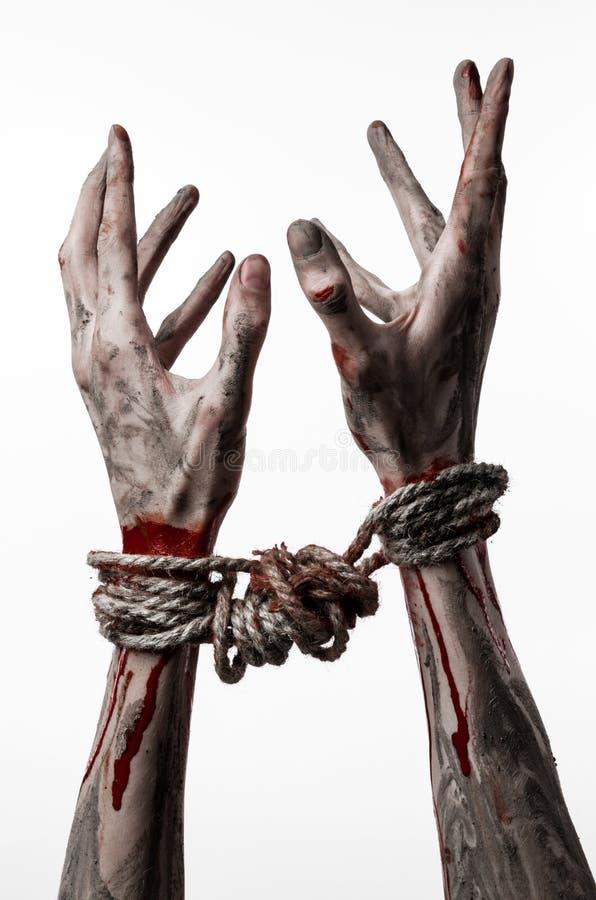 Ręki odskakują, krwiste ręki, błoto, arkana, na białym tle uprowadza, odizolowywają, żywy trup, demon zdjęcia stock