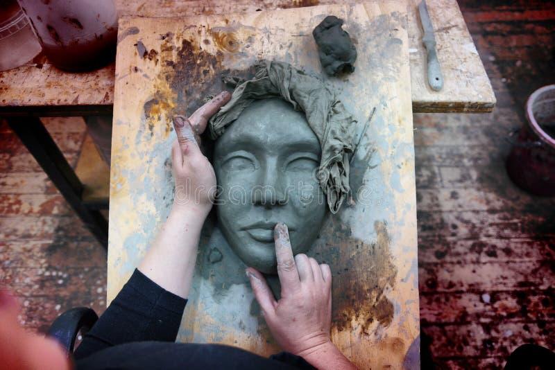 Ręki rzeźbiarz obrazy royalty free