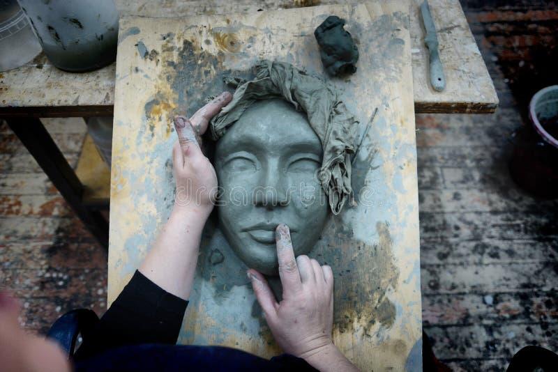 Ręki rzeźbiarz obraz royalty free