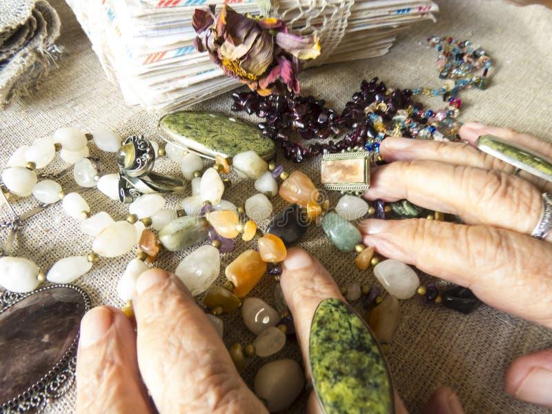 Ręki starsza osoba zdjęcia stock