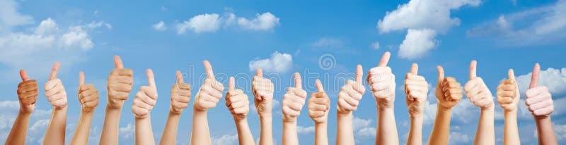 Ręki z aprobata znakiem zdjęcia stock