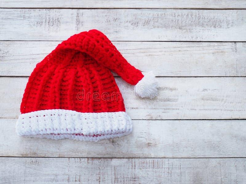 Rękodzieła Santa Claus kapelusz na rocznika drewnie obrazy royalty free
