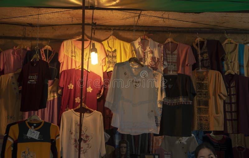 Rękodzieła w rynku blisko Chiang Mai, Doi Suthep, Tajlandia zdjęcie stock