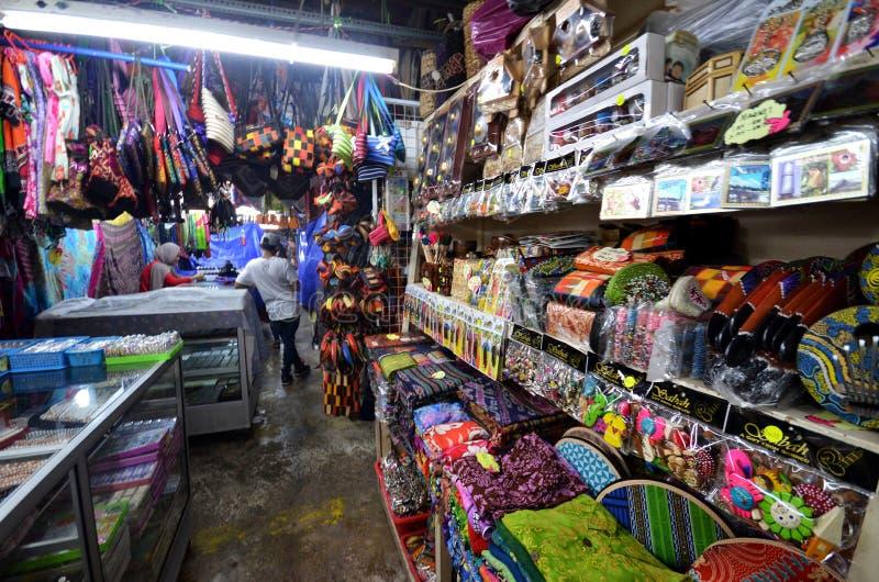 Rękodzieło sprzedawał w Filipińskim rynku w Kot Kinabalu fotografia stock