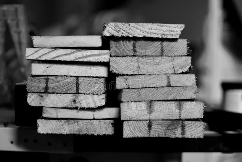 Rżniętego barłogu Drewniane deski Z drewna adra Brogujący Czarny I Biały zdjęcia royalty free