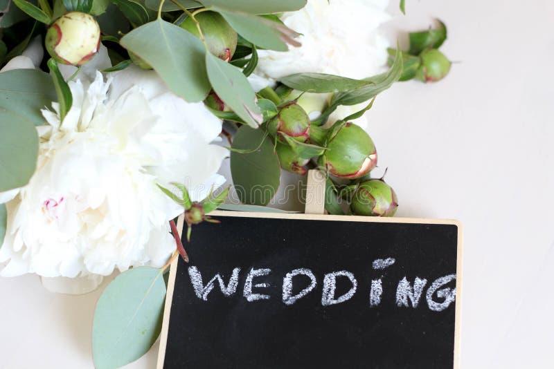 r Κείμενο προτύπων γαμήλιας καλλιγραφίας για την έννοια απεικόνισης σχεδίου σας Χειρόγραφες λέξεις τίτλου εγγραφής στο Μαύρο στοκ φωτογραφία με δικαίωμα ελεύθερης χρήσης