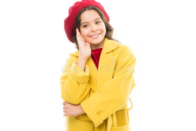 r r Ύφος φθινοπώρου της Γαλλίας μικρό παρισινό κορίτσι με το ευτυχές πρόσωπο μόδα άνοιξη ομορφιάς στοκ εικόνες