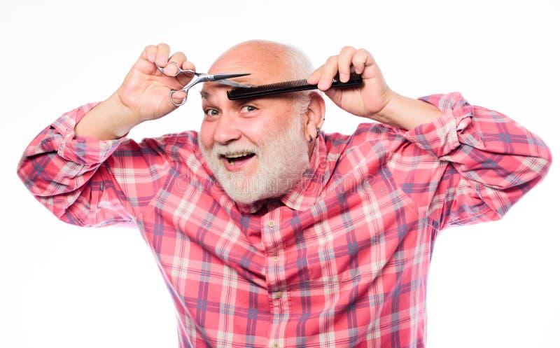 r отрежьте и волосы щетки брить инструментальный ящик небритый старик имеет усик и бороду o стоковые фото
