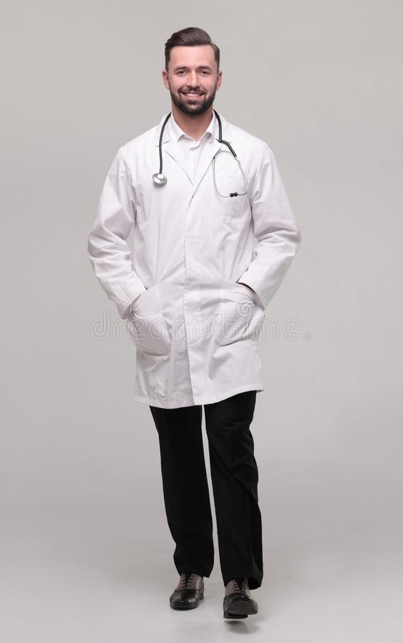 r 一位成功的医生是有听诊器的一位治疗师 库存图片