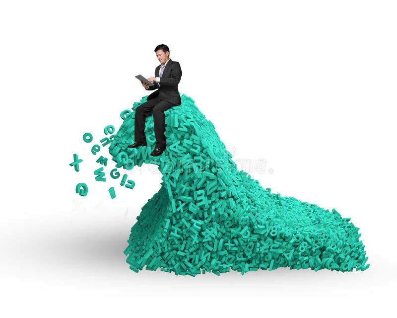 r 与商人坐的巨大的字符海啸波浪 免版税图库摄影