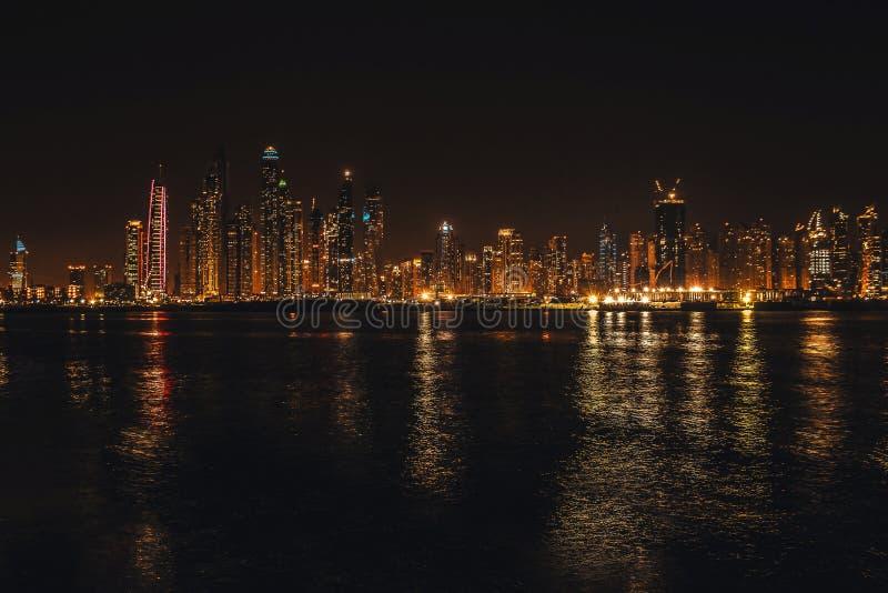 r 区从棕榈卓美亚奢华酒店集团观测台的迪拜小游艇船坞  迪拜在可以2019年 免版税库存照片
