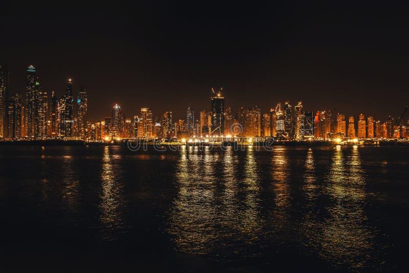 r 区从棕榈卓美亚奢华酒店集团观测台的迪拜小游艇船坞  迪拜在可以2019年 免版税库存图片