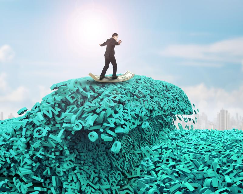 r 巨大的字符海啸波浪 商人冲浪的金钱板 免版税图库摄影