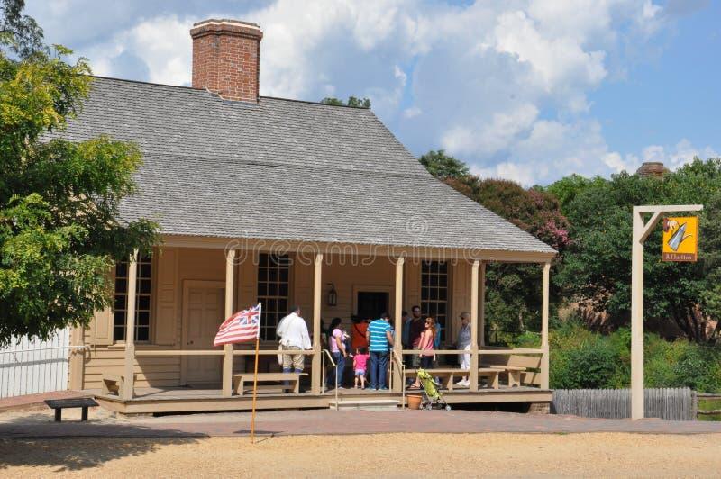 r 查尔顿的咖啡馆在殖民地威廉斯堡,弗吉尼亚 库存图片