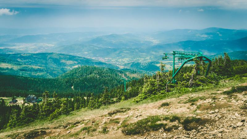 r 波兰山 Pilsko 滑雪电缆车 库存照片
