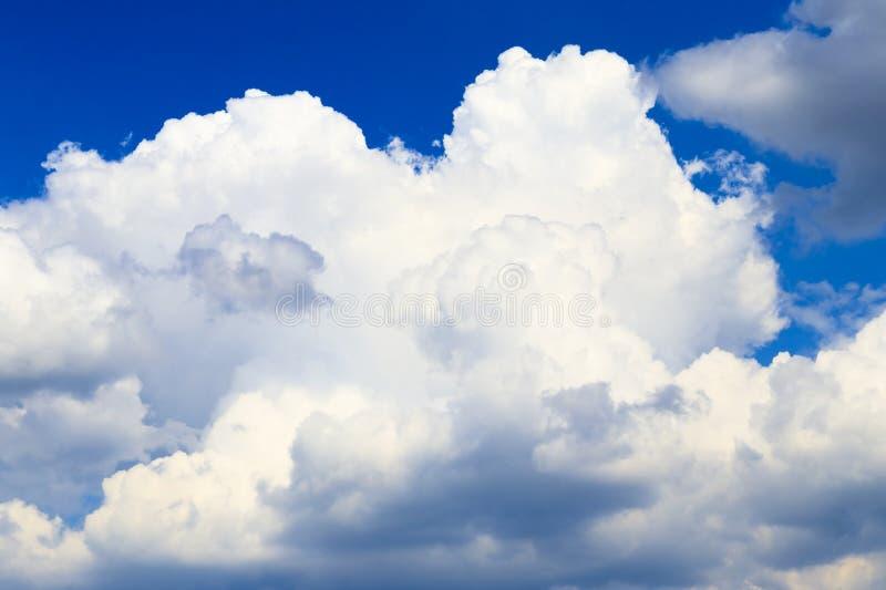 ?? r 空气云彩 r 免版税库存照片
