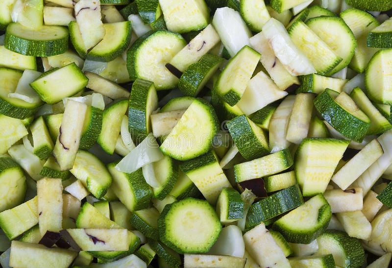rå zucchini arkivfoton