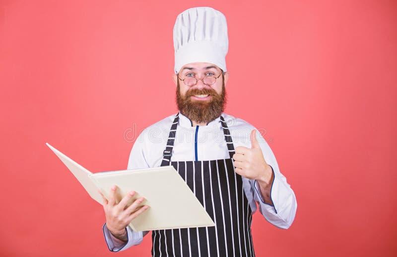r Buchrezepte i m Konzept der kulinarischen K?nste bewunderer stockbild