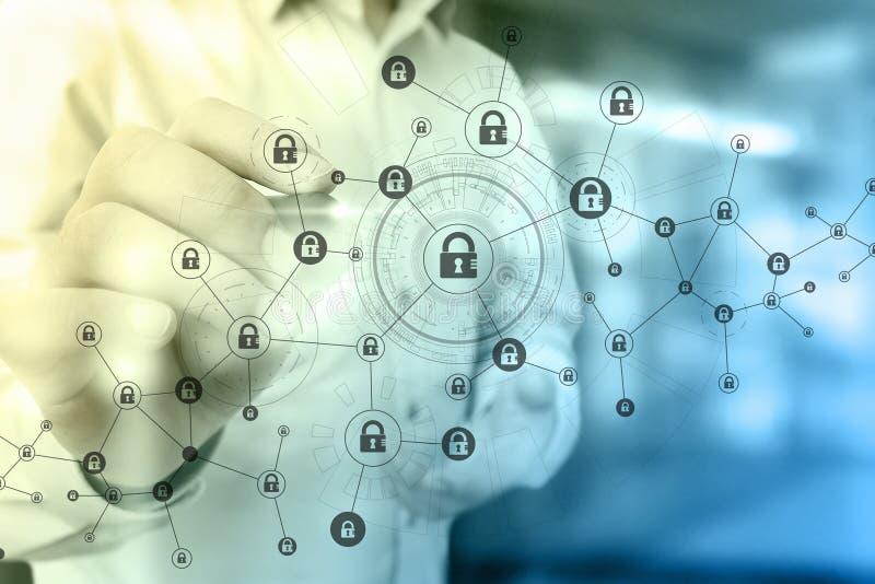 r Cryptocurrency, шифровать данные, безопасность кибер стоковые фотографии rf