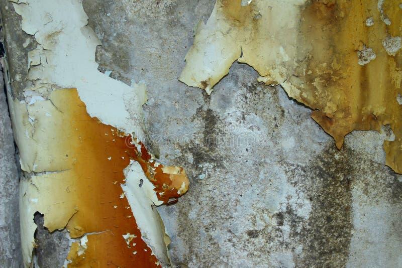 r E Ραγισμένο χρώμα στον τοίχο στοκ εικόνα