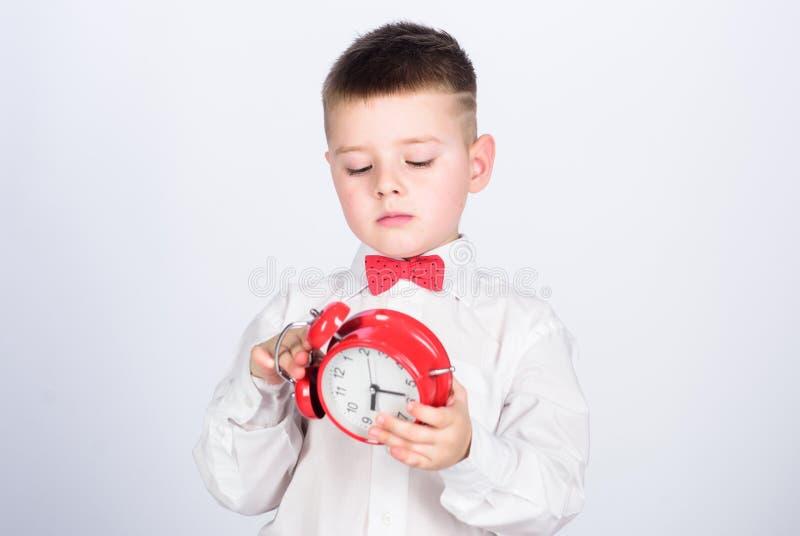r E lycklig barndom r koppla av tid till deltagare arkivbild