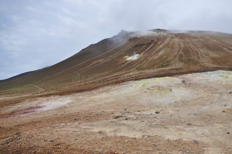 R?gion g?othermique de Hverir au lac Myvatn, Islande images libres de droits