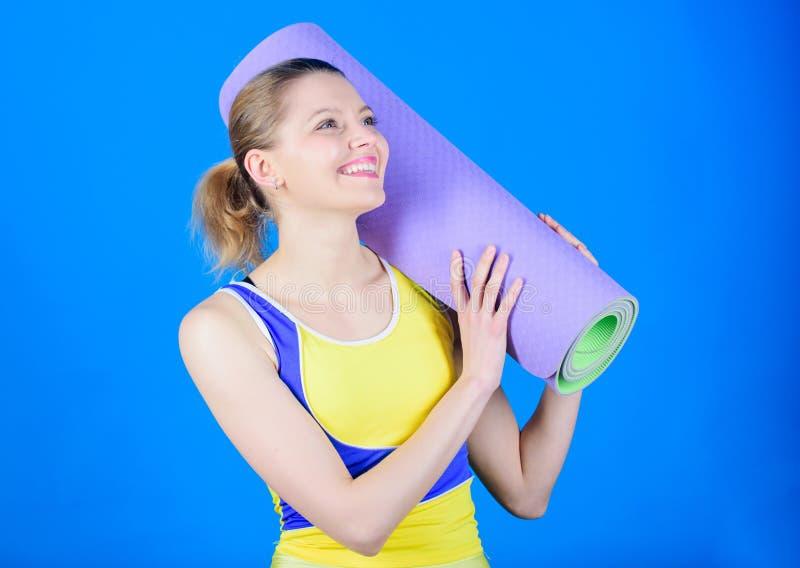 ?? ( ?? r r i 愉快的妇女锻炼与 免版税库存照片