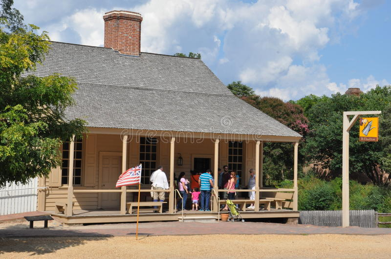 r Il caffè di Charlton in coloniale Williamsburg, la Virginia immagini stock