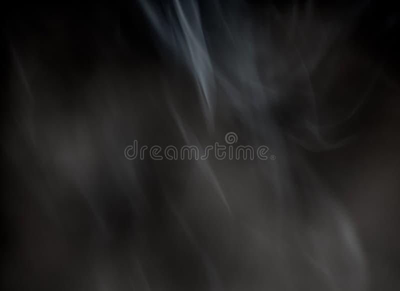 R?k fr?n en brinnande r?kelsepinne p? en svart bakgrund arkivbild