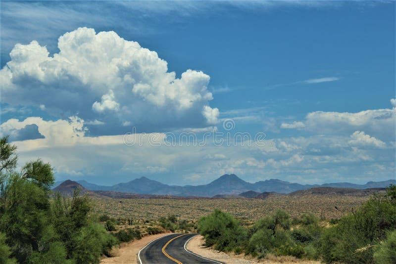 R?servoir de Bartlett Lake, le comt? de Maricopa, ?tat vue sc?nique de paysage d'Arizona, Etats-Unis image stock