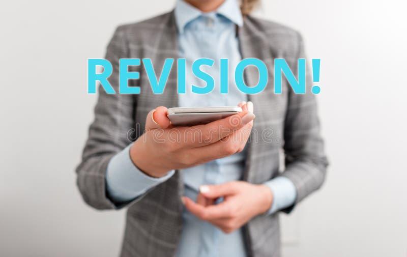 R?vision des textes d'?criture de Word Concept d'affaires pour l'action de la révision au-dessus de quelqu'un comme des affaires  photographie stock libre de droits