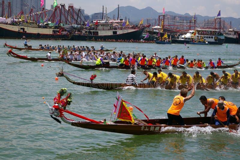 Raça de barco do dragão em Hong Kong imagem de stock royalty free