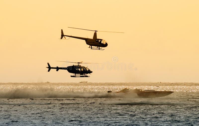 Raça marinha a pouca distância do mar fotografia de stock